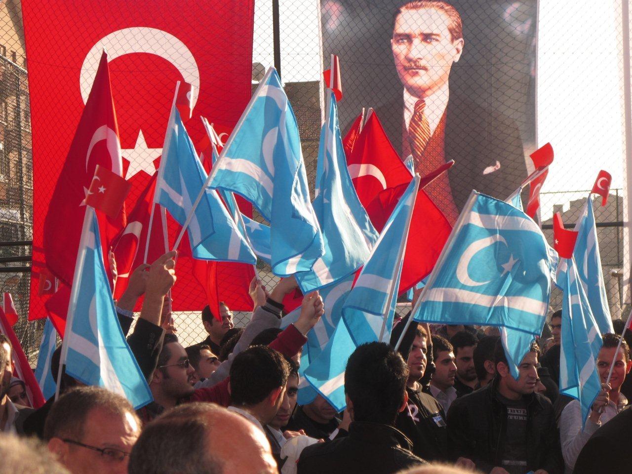 Türkmen öğrenciler ödüllendirildi
