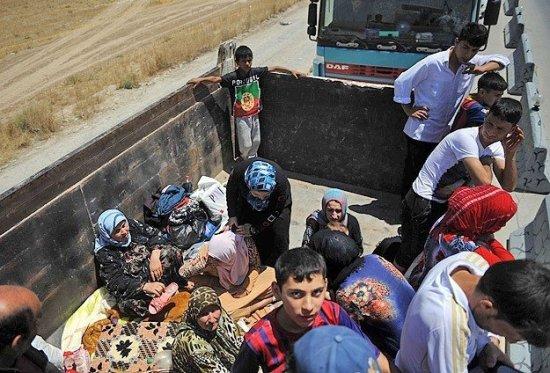 Turkmen refugees truck